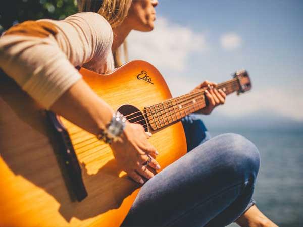 Puisi: Nyanyian Kemerdekaan (karya Ahmadun Yosi Hervanda)